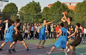 """郑州中厚机械集团""""厚德杯""""第一届篮球比赛运动会"""