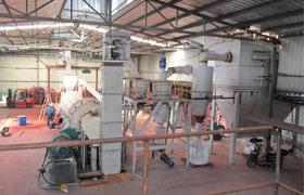 河北廊坊氧化铁红磨粉生产线