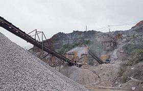河南辉县时产120-150吨石料生产线现场